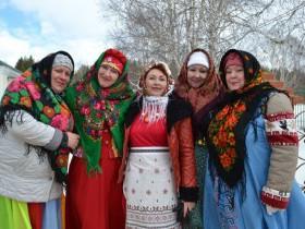 Веселый праздник «Проводы зимы» состоялся в воскресенье на центральной площади села Охлебинино